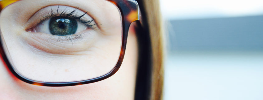Does wearing glasses make your eyes weaker?
